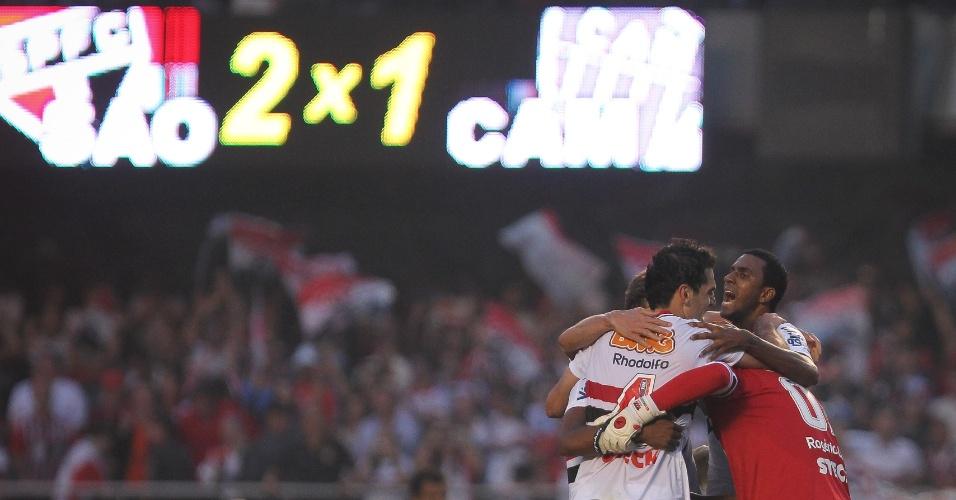 Rogerio Ceni e jogadores comemoram vitória - São Paulo x Atlético-MG - Brasileirão-2011 (07/09/2011)