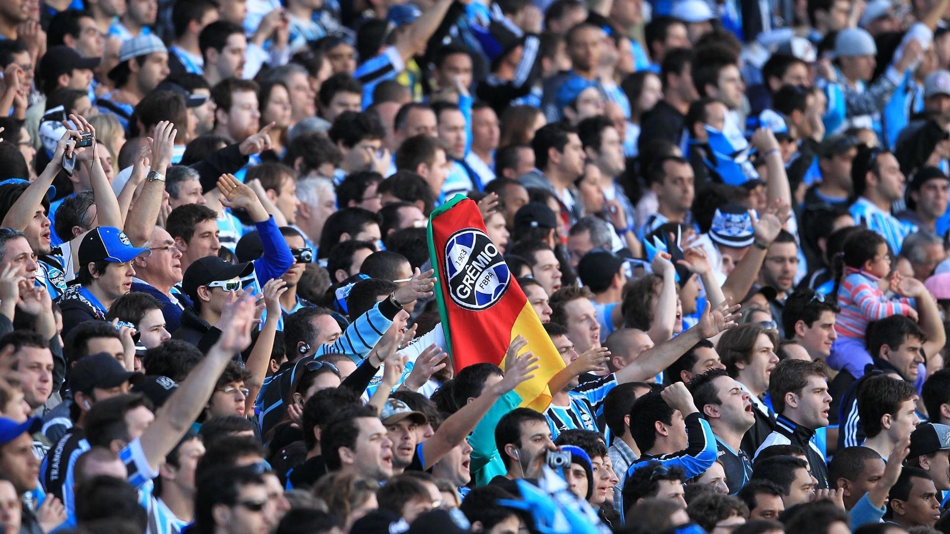 85cb916ccb7cb Grêmio irá ressarcir torcedores com ingressos que não tiveram acesso ao  Olímpico - 06 09 2012 - UOL Esporte