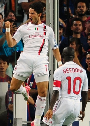 Pato comemora gol do Milan. Equipe italiana abriu o placar no primeiro minuto de jogo