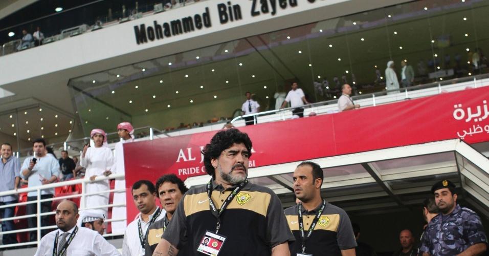 Maradona entra no estádio