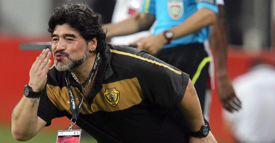 Maradona manda beijinho aos jogadores