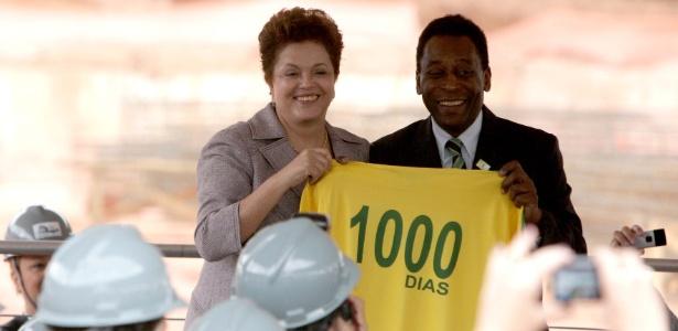 Embaixador honorário da Copa, Pelé deve devater com deputados na próxima semana