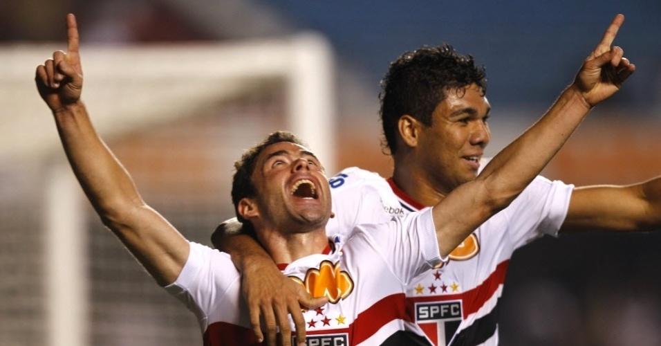 Juan, de cabeça, marcou o primeiro gol dos são-paulinos contra o Ceará