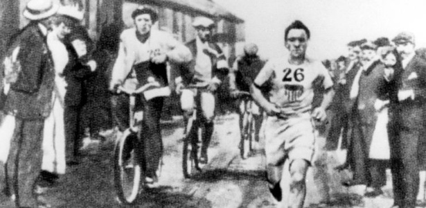 Cena da maratona dos Jogos Olímpicos de Londres, a primeira com a distância de 42,195 km