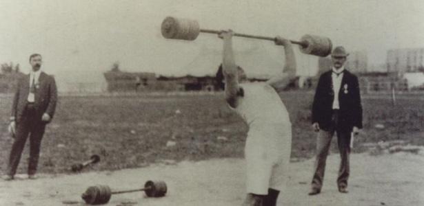 O grego Perikles Kakousis ganhou o ouro no levantamento de peso da Olimpíada de Saint Louis