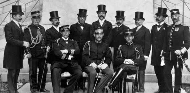 Os membros do Comitê Olímpico Internacional nos Jogos Olímpicos de Atenas, na Grécia