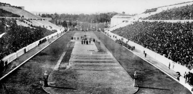 Vista do Estádio Olímpico de Atenas, palco da primeira edição dos Jogos Olímpicos da Era Moderna