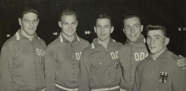 Equipe alemã de luta livre; já dividida, a Alemanha competiu unificada na Olimpíada de 1960