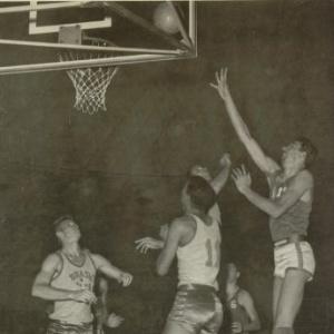Já campeões mundiais, os brasileiros foram medalha de bronze no basquete na Olimpíada de Roma