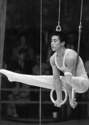 O ginasta japonês Sawao Kato foi o campeão da prova de argolas nos Jogos Olímpicos da Cidade do México