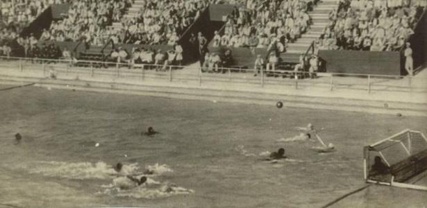 Partida de polo aquático entre Brasil, que perdeu por 7 a 3, e Alemanha na Olimpíada de Melbourne