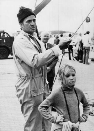 O príncipe da Espanha, Juan Carlos (ao lado da filha Elena), participou do torneio de vela