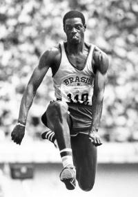 João do Pulo tem dois bronzes olímpicos e foi recordista mundial