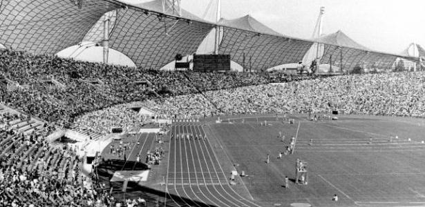 Vista interna do Estádio Olímpico dos Jogos de Munique, com capacidade para 80 mil espectadores
