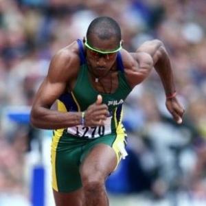 O brasileiro Claudinei Quirino disputa as eliminatórias dos 200 m rasos; ele ficou em sexto na final