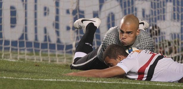 """Lucas: """"Pelo que nosso time produziu merecia sair com vitória. Melhor pro Corinthians"""""""