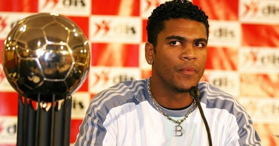 Breno concede entrevista coletiva como jogador do Bayern de Munique