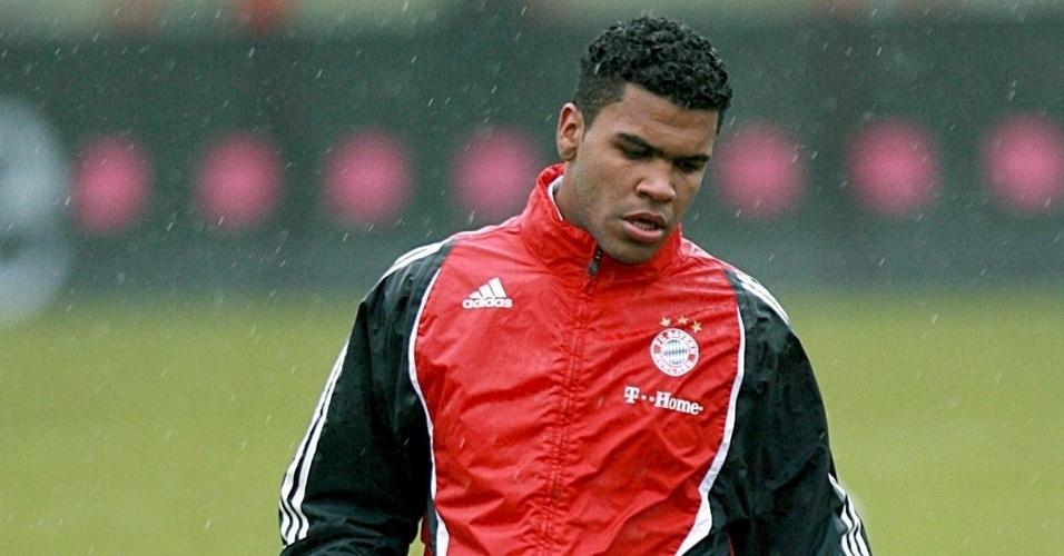 Breno treina no Bayern de Munique, o zagueiro deseja voltar ao Brasil mas São Paulo nega negociação