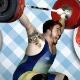 Com 132 kg, atleta do levantamento tenta engordar com arroz, feijão e fritas às 9h