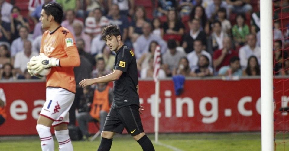 David Villa vai até o centro do gramado após o Barcelona abrir o placar contra o Sporting Gijón