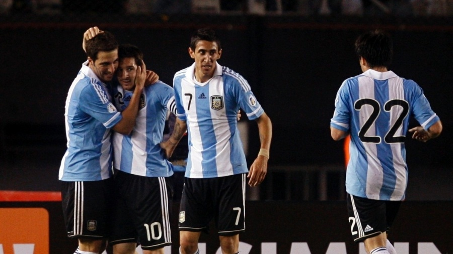 Higuain, Messi e Di María festejam gol da seleção argentina contra o Chile - REUTERS/Martin Acosta
