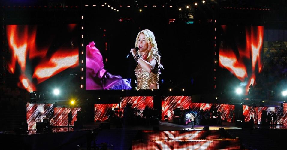 Out.2012 - Shakira se apresenta na inauguração do estádio Olímpico de Kiev, capital ucraniana; cantora colombiana tem marcado presença em grandes eventos esportivos e é noiva do defensor do Barcelona Piqué