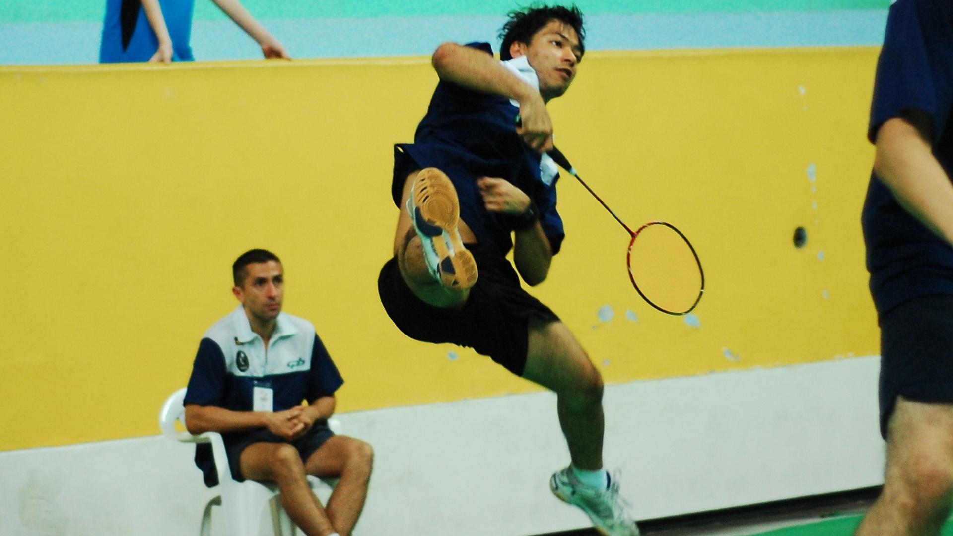 Você Manda: Glynton Nakashima jogando o Torneio da Federação de Badminton do estado de São Paulo na cidade de Santo André