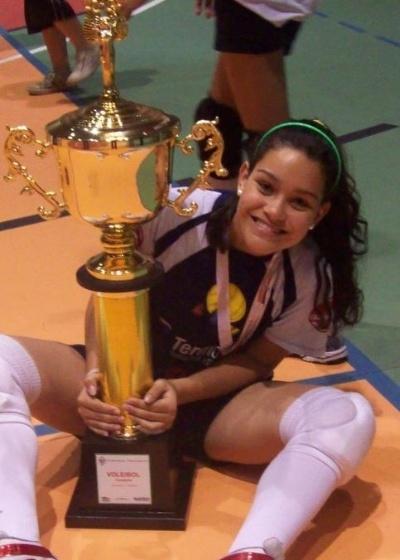 Você Manda: Paola Lopes, 16 anos, Pindamonhangaba (SP), campeã dos Jogos Regionais