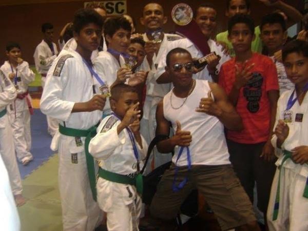 Você Manda: Wellyton B. Menezes, 25 anos, Buriticupu (MA), com a Equipe ABTO de Buriticupu, Vice-campeã por equipes no Norte Nordeste de Taekowndo em São Luis