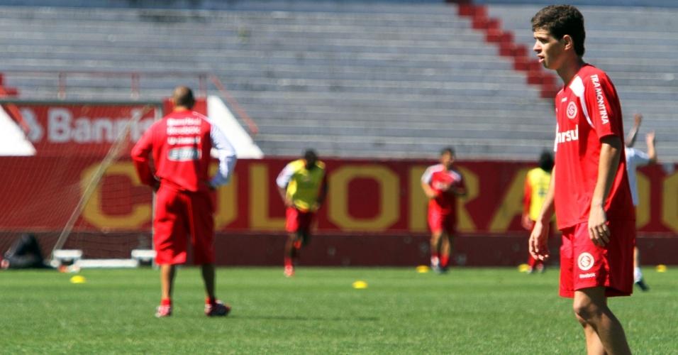 Oscar em treinamento no Beira-Rio nesta sexta; Internacional enfrenta o Atlético/GO no domingo