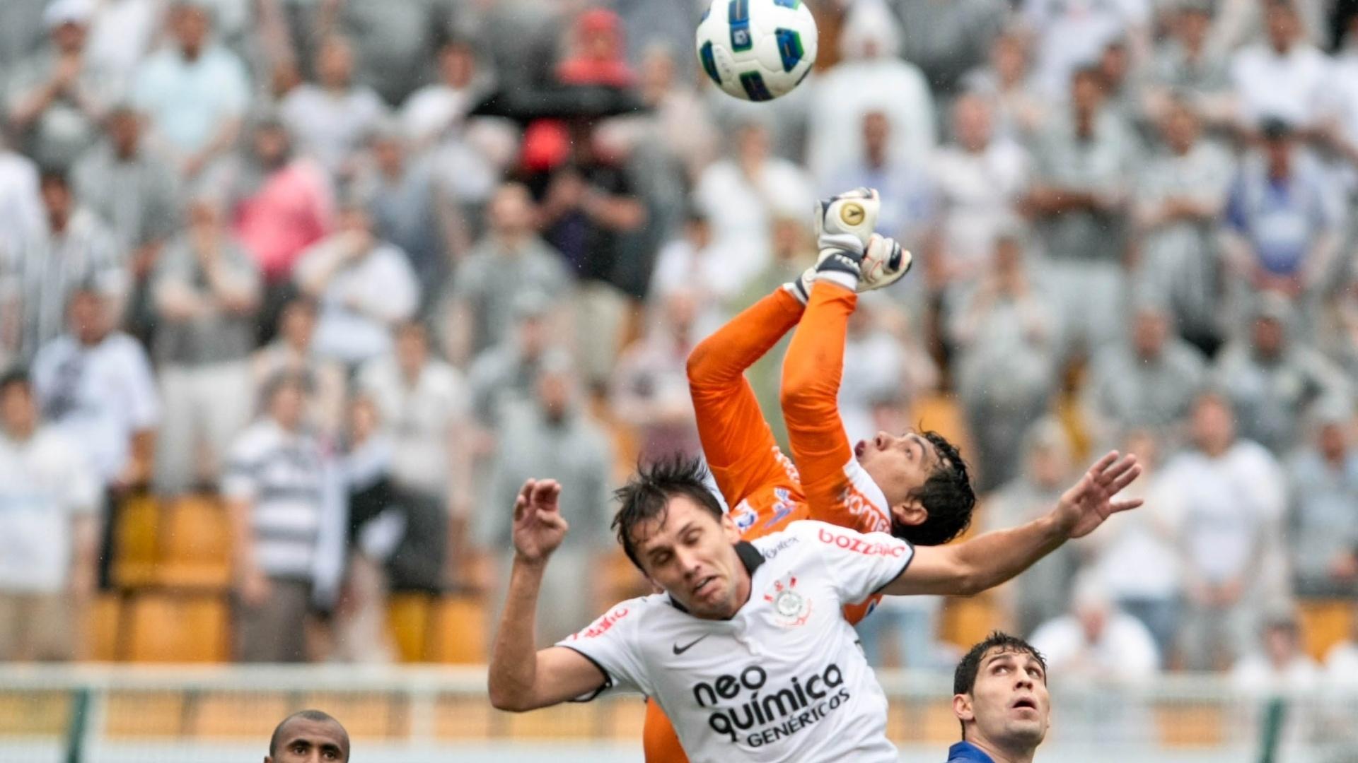 O goleiro Felipe, revelado no Santos, foi flagrado usando substância hidrocloratiazida, proibida pela Fifa. Ele foi absolvido, mas perdeu o mundial sub-20 em 2007
