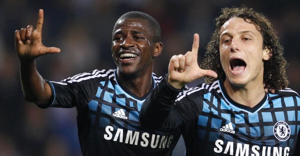 Ramires e David Luiz comemoram o gol do Chelsea pela Liga dos Campeões, nesta terça