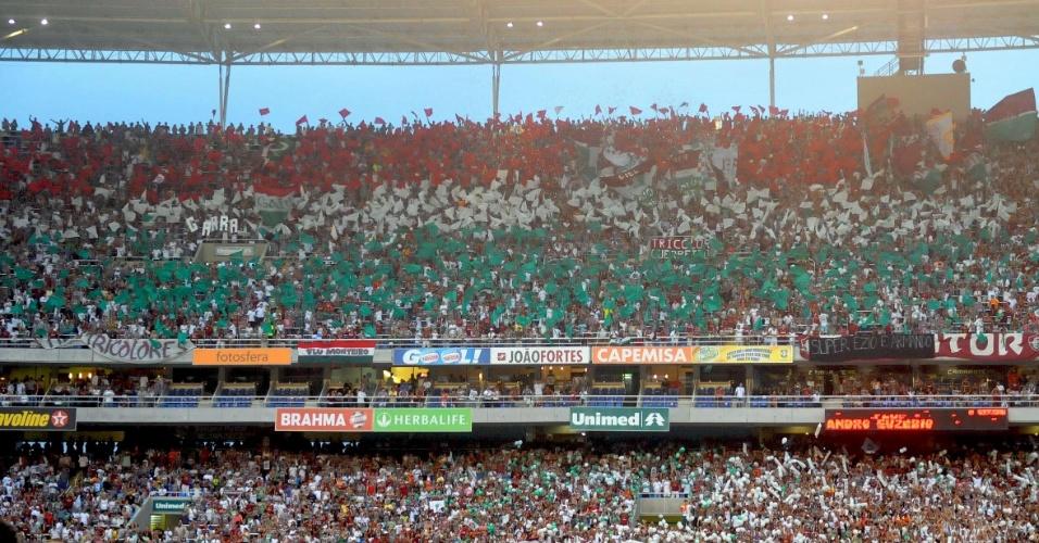 Torcida do Fluminense lota o Engenhão antes do jogo contra o América-MG