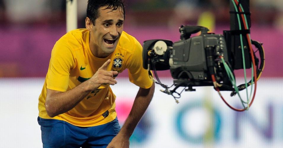 Atacante Jonas comemora seu gol contra o Egito em amistoso realizado no Qatar, nesta segunda-feira