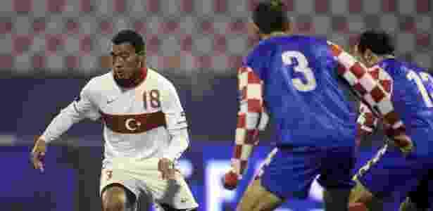 Inglês naturalizado turco, Kazim já chegou às semifinais da Euro pela Turquia, em 2008 - REUTERS/Srdjan Zivulovic