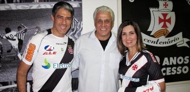 William Bonner e Fátima Bernardes, foram prestigiar o Vasco e registraram o momento ao lado de Dinamite