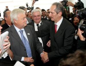 Aldo Rebelo e Ricardo Teixeira que, sob pressão, estaria próximo de deixar o comando do COL
