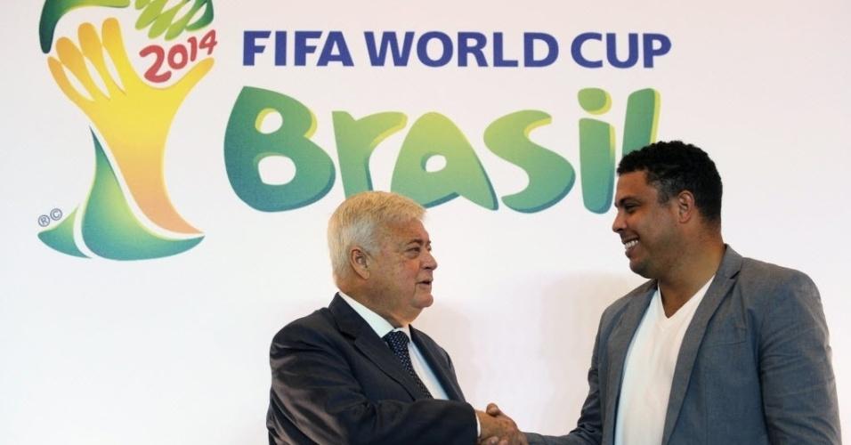 Ronaldo sela sua efetivação como membro da Copa. Ele afirma que não receberá salário para executar a nova função