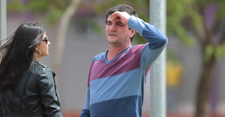 Andrés Sanchez, presidente do Corinthians, observa o treino do time antes da decisão contra o Palmeiras
