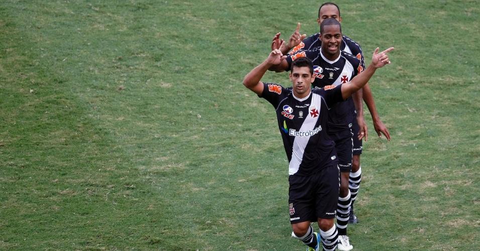 Diego Souza abriu o placar contra o Flamengo e puxou o 'trem bala da colina' na comemoração