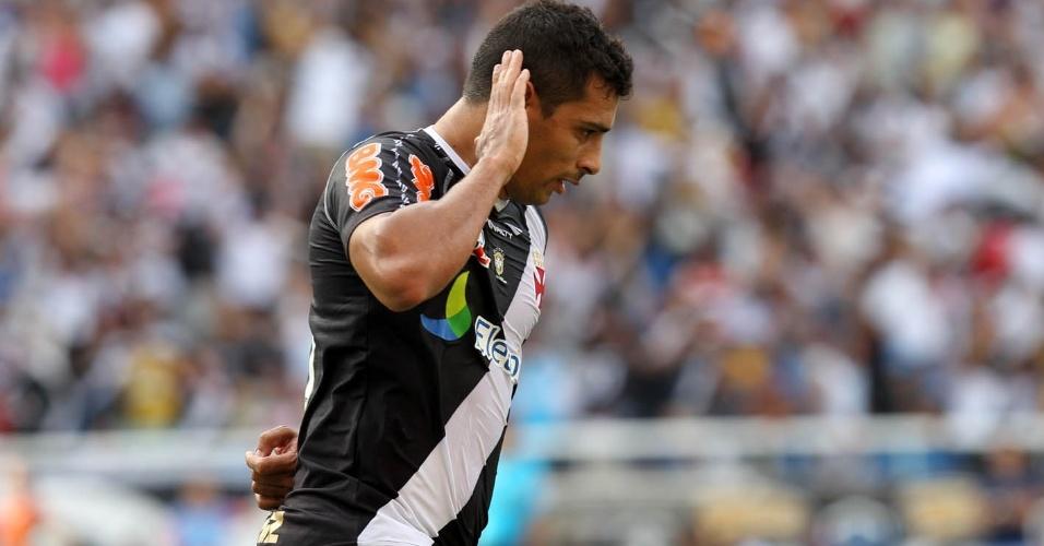 Diego Souza provoca torcida do Flamengo na comemoração do gol que inaugurou o placar