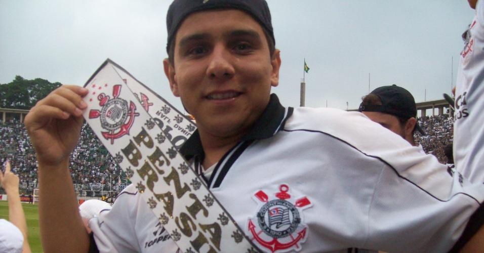 Pedro Augusto com a faixa de campeão