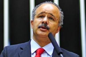 Deputado Vicente Cândido (PT-SP) diz que substitutivo será proposto nesta quinta (24)