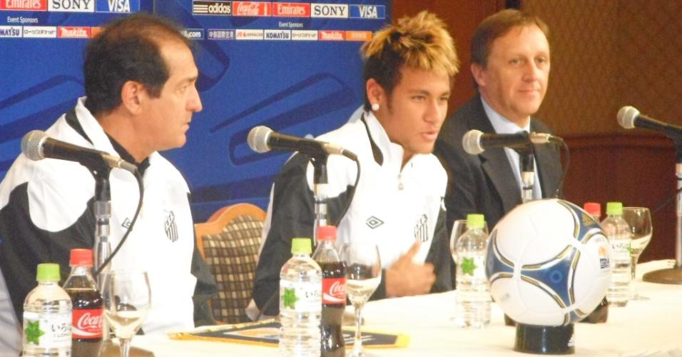 Neymar foi alvo da maior parte das perguntas dos estrangeiros e procurou evitar comparações com Messi