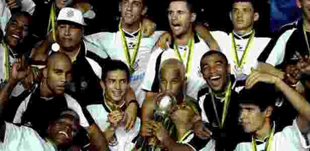Corinthians conquistou o seu primeiro título mundial há exatos 19 anos, no Maracanã - Getty Images