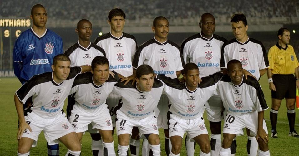 O Corinthians enfrentou o Vasco com a seguinte formação titular: Dida, Kléber, Fábio Luciano, Vampeta, Rincón, Adílson Batista, Luisão, ìndio, Ricardinho, Marcelinho e Edilson