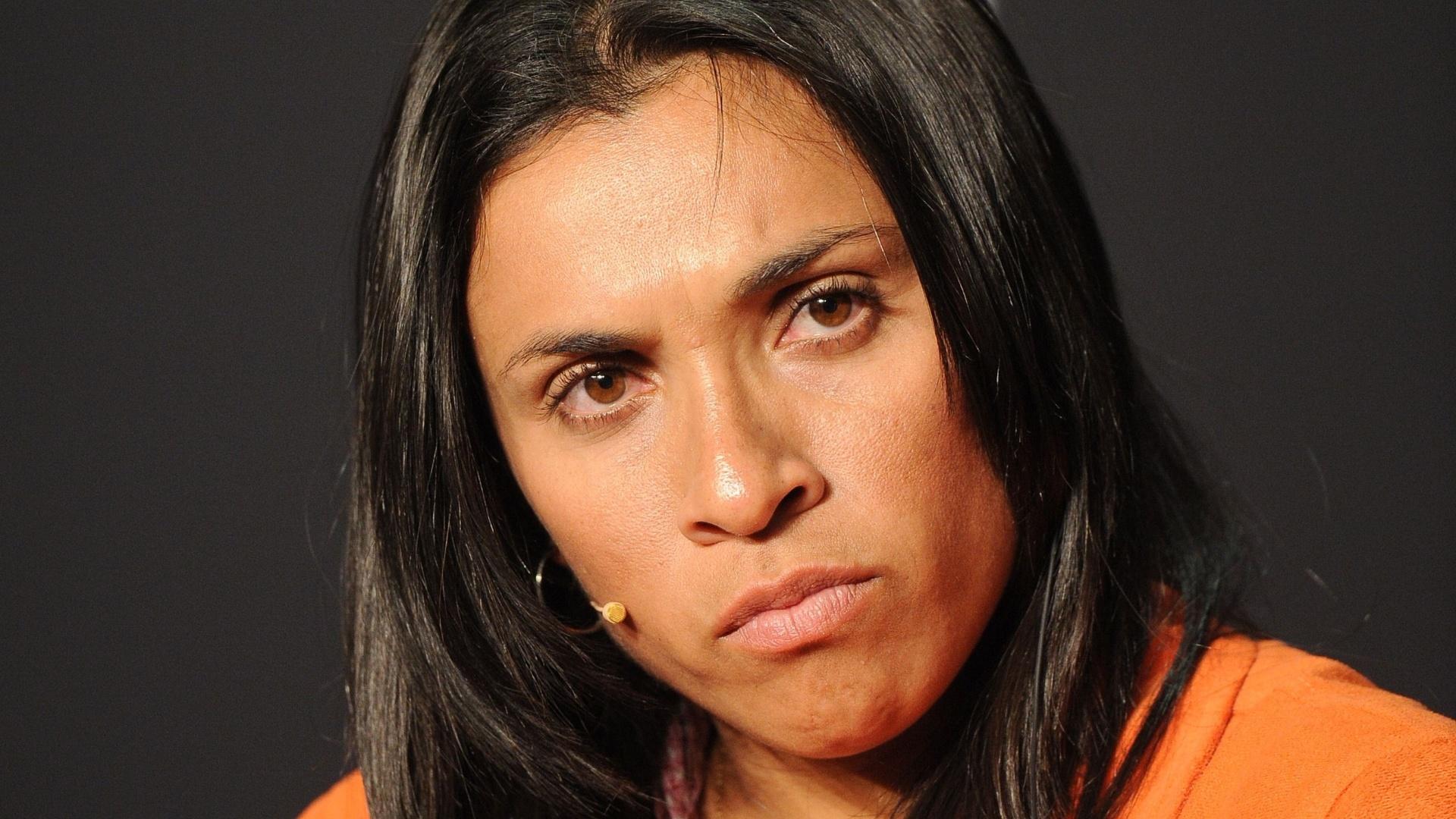 Marta concede entrevista antes da premiação da Bola de Ouro da Fifa. A brasileira foi superada por Homare Sawa na eleição de melhor do mundo