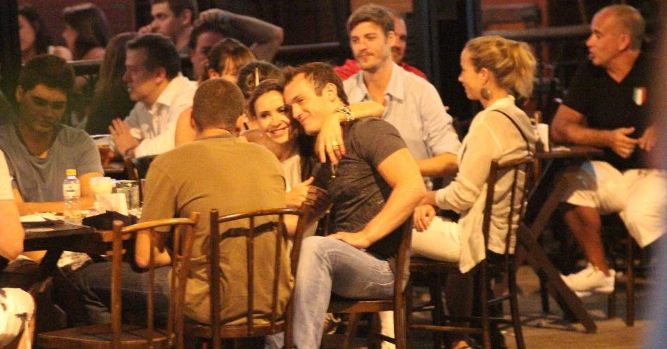 Maurren Maggi e Diego Hypólito jantaram juntos no Rio de Janeiro no último dia 09