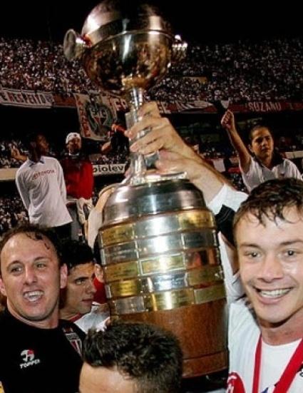 Cromo com Rogério Ceni e Lugano, na conquista da Libertadores de 2005