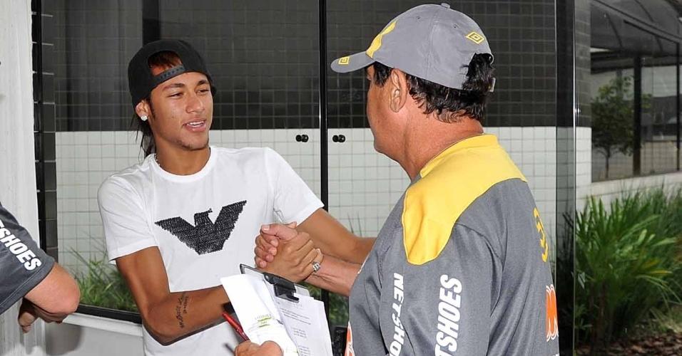 Neymar reencontra Muricy na reapresentação do Santos